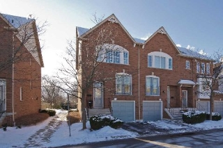 Main Photo: 11 1591 South Parade Court in Mississauga: East Credit Condo for sale : MLS(r) # W3071204