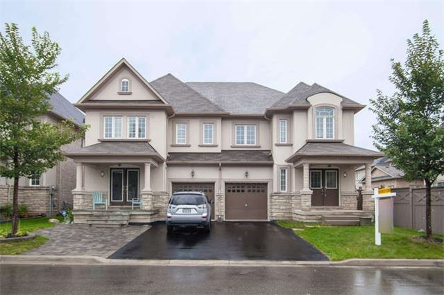 Main Photo: 39 Beachville Circle in Brampton: Credit Valley House (2-Storey) for sale : MLS(r) # W3316006