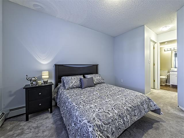 Photo 11: 302 30 SIERRA MORENA Mews SW in Calgary: Signal Hill Condo for sale : MLS® # C4062725