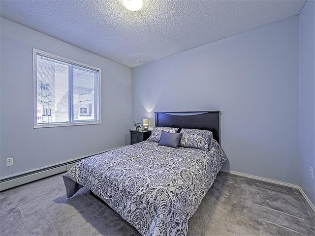 Photo 10: 302 30 SIERRA MORENA Mews SW in Calgary: Signal Hill Condo for sale : MLS® # C4062725