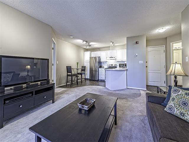 Photo 8: 302 30 SIERRA MORENA Mews SW in Calgary: Signal Hill Condo for sale : MLS® # C4062725