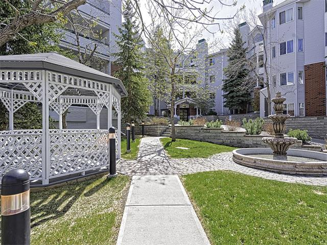 Photo 2: 302 30 SIERRA MORENA Mews SW in Calgary: Signal Hill Condo for sale : MLS® # C4062725