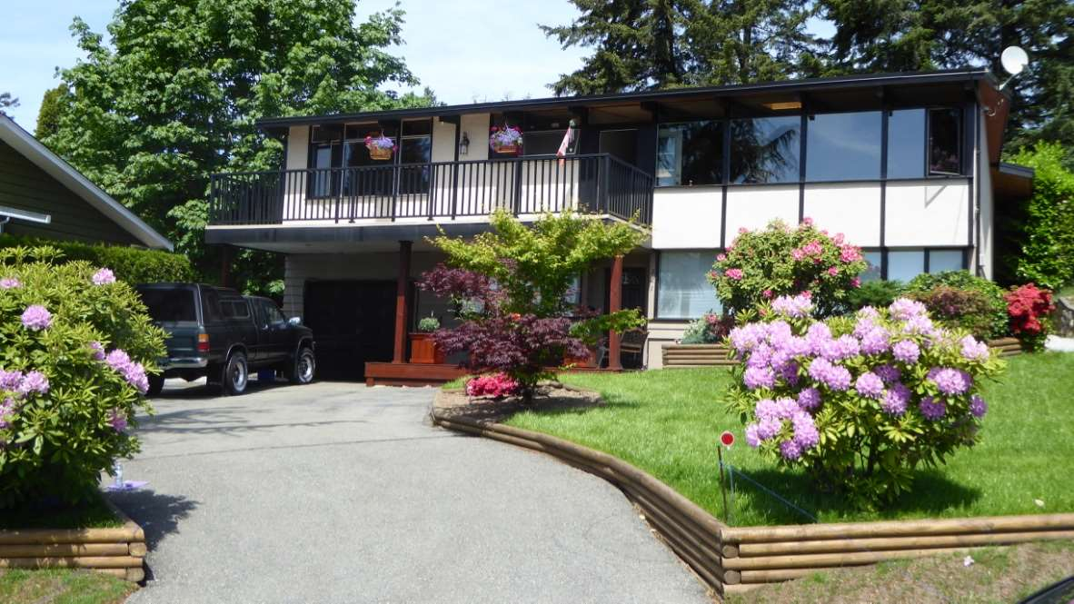 Main Photo: 321 SEAFORTH Crescent in Coquitlam: Central Coquitlam House for sale : MLS® # R2084224
