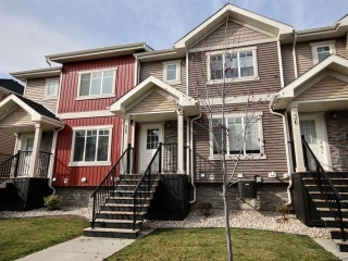 Main Photo: 35 675 Albany Way in Edmonton: Zone 27 Townhouse for sale : MLS(r) # E4041705