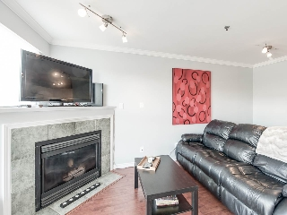 "Main Photo: 304 2025 STEPHENS Street in Vancouver: Kitsilano Condo for sale in ""STEPHEN'S COURT"" (Vancouver West)  : MLS(r) # R2158946"