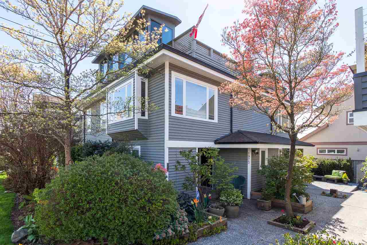 Main Photo: 1975 STEPHENS Street in Vancouver: Kitsilano House 1/2 Duplex for sale (Vancouver West)  : MLS(r) # R2160045