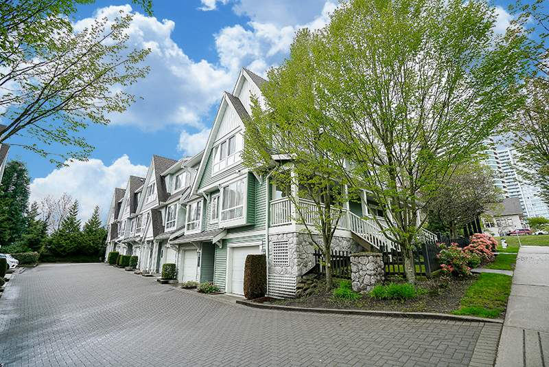 "Main Photo: 7309 HAWTHORNE Terrace in Burnaby: Highgate Townhouse for sale in ""BERKLEY"" (Burnaby South)  : MLS(r) # R2161141"