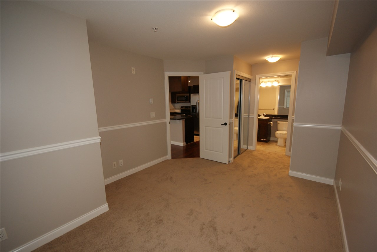 "Photo 13: 237 5660 201A Street in Langley: Langley City Condo for sale in ""Paddinton Station"" : MLS® # R2188422"