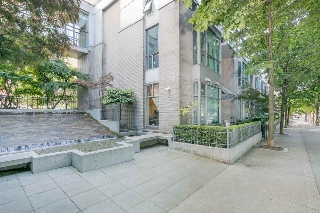 "Main Photo: 105 928 RICHARDS Street in Vancouver: Yaletown Townhouse for sale in ""SAVOY"" (Vancouver West)  : MLS(r) # R2188687"