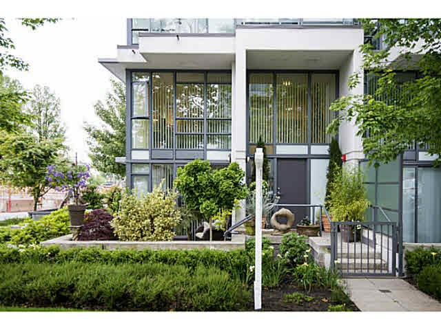 Main Photo: 2513 MAPLE STREET in Vancouver: Kitsilano Townhouse for sale (Vancouver West)  : MLS®# R2165980