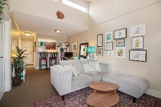 "Main Photo: 301 235 W 4TH Street in North Vancouver: Lower Lonsdale Condo for sale in ""The Encore"" : MLS® # R2199069"