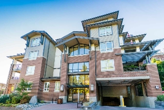 "Main Photo: 308 15188 29A Avenue in Surrey: King George Corridor Condo for sale in ""SOUTH POINT WALK"" (South Surrey White Rock)  : MLS® # R2208178"