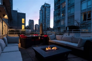 Main Photo: 505 833 Homer Street in Vancouver: Condo for sale (Vancouver West)  : MLS® # R2140463