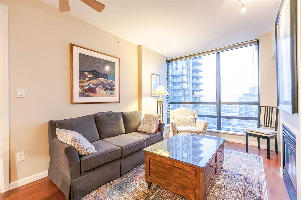 "Photo 8: Photos: 1202 170 W 1ST Street in North Vancouver: Lower Lonsdale Condo for sale in ""ONE PARK LANE"" : MLS® # R2228701"
