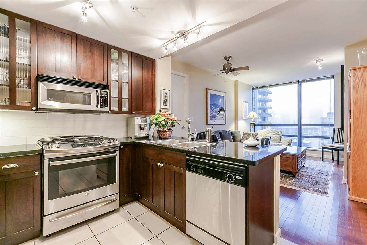 "Photo 5: Photos: 1202 170 W 1ST Street in North Vancouver: Lower Lonsdale Condo for sale in ""ONE PARK LANE"" : MLS® # R2228701"