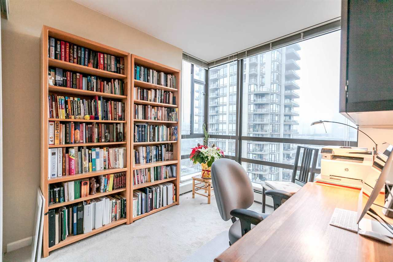 "Photo 13: Photos: 1202 170 W 1ST Street in North Vancouver: Lower Lonsdale Condo for sale in ""ONE PARK LANE"" : MLS® # R2228701"