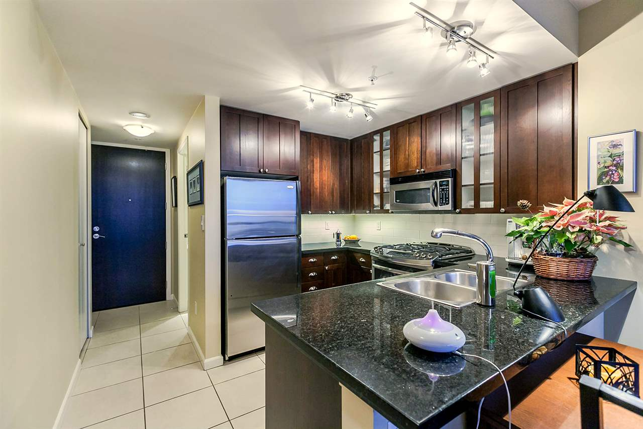 "Photo 4: Photos: 1202 170 W 1ST Street in North Vancouver: Lower Lonsdale Condo for sale in ""ONE PARK LANE"" : MLS® # R2228701"