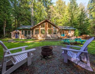 Main Photo: 1421 MARGARET Road: Roberts Creek House for sale (Sunshine Coast)  : MLS® # R2243186