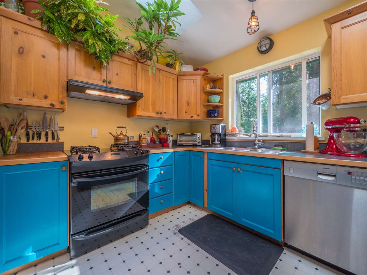 Photo 4: Photos: 1421 MARGARET Road: Roberts Creek House for sale (Sunshine Coast)  : MLS® # R2243186