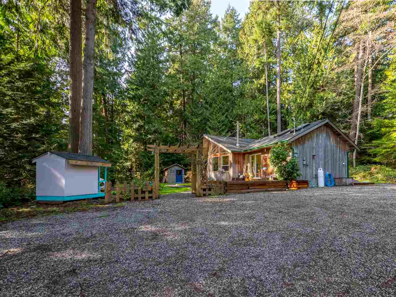 Photo 2: Photos: 1421 MARGARET Road: Roberts Creek House for sale (Sunshine Coast)  : MLS® # R2243186