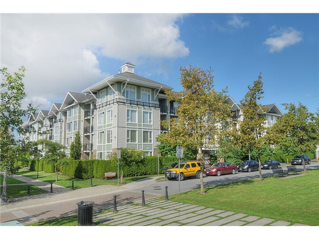 "Main Photo: 104 7089 MONT ROYAL Square in Vancouver: Champlain Heights Condo for sale in ""CHAMPLAIN HEIGHTS"" (Vancouver East)  : MLS® # V913408"