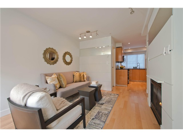 "Photo 6: 2108 YEW ST in Vancouver: Kitsilano Condo for sale in ""KITSILANO"" (Vancouver West)  : MLS(r) # V1043093"