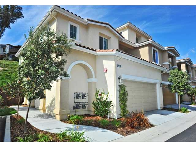 Photo 2: CARLSBAD WEST Townhome for sale : 3 bedrooms : 6919 Tourmaline Place in Carlsbad