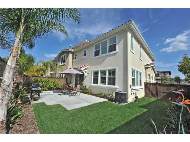 Main Photo: CARLSBAD WEST Townhome for sale : 3 bedrooms : 6919 Tourmaline Place in Carlsbad