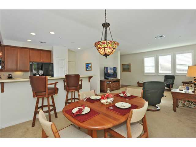 Photo 7: CARLSBAD WEST Townhome for sale : 3 bedrooms : 6919 Tourmaline Place in Carlsbad
