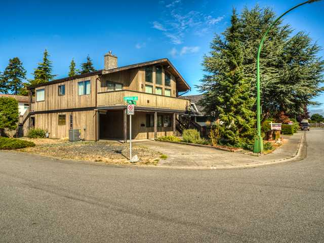 "Main Photo: 11 CENTENNIAL Parkway in Tsawwassen: Boundary Beach House for sale in ""BOUNDARY BAY"" : MLS® # V1125393"