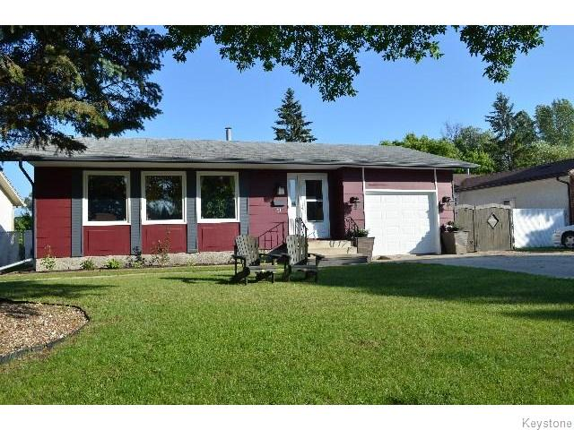 Main Photo: 11 Buckle Drive in WINNIPEG: Charleswood Residential for sale (South Winnipeg)  : MLS® # 1517415
