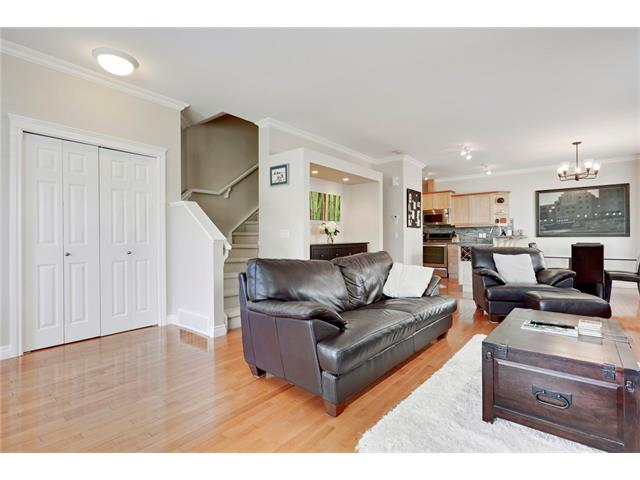 Photo 9: 2143 17 Street SW in Calgary: Bankview House for sale : MLS® # C4024274