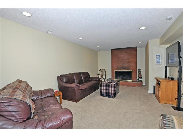 Photo 14: 203 41 Avenue NW in Calgary: Highland Park House for sale : MLS(r) # C4035983