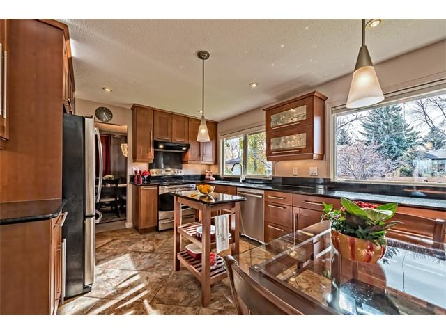 Photo 12: 551 PARKRIDGE Drive SE in Calgary: Parkland House for sale : MLS® # C4045891