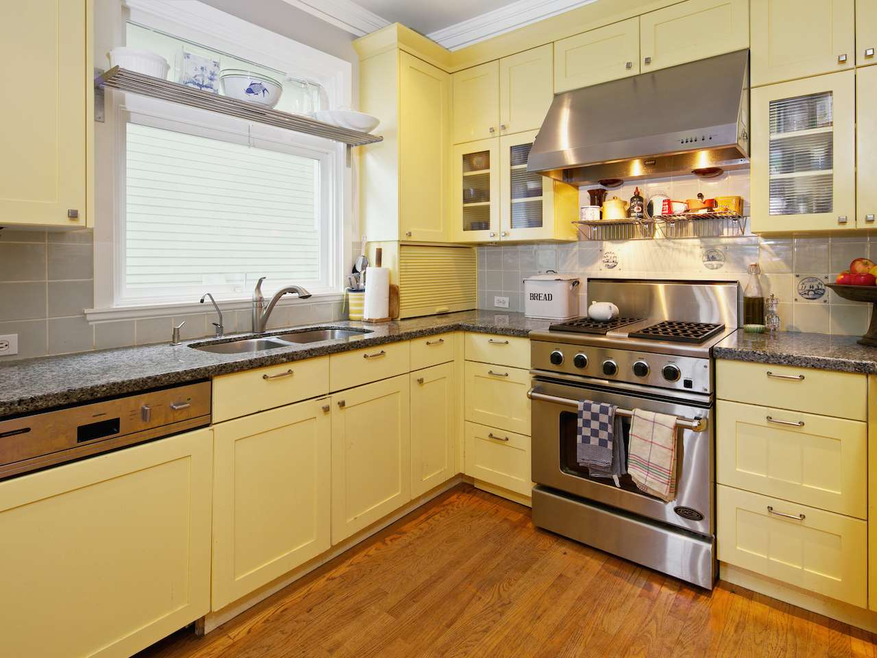 Photo 2: 1849 CREELMAN Avenue in Vancouver: Kitsilano House for sale (Vancouver West)  : MLS® # R2045415