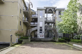 "Main Photo: 107C 3 RENAISSANCE Square in New Westminster: Quay Condo for sale in ""LIDO"" : MLS(r) # R2060202"