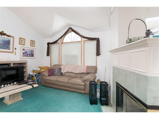Photo 4: 128 Valley Meadow Close NW in Calgary: Valley Ridge House for sale : MLS(r) # C4101341