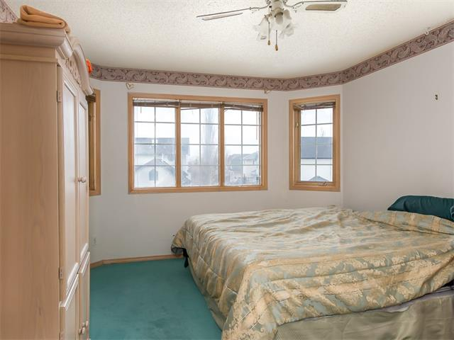 Photo 5: 128 Valley Meadow Close NW in Calgary: Valley Ridge House for sale : MLS(r) # C4101341