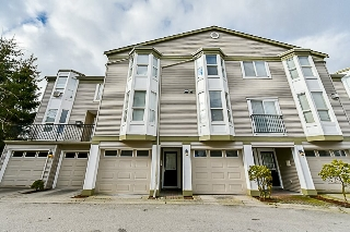 "Main Photo: 39 9559 130A Street in Surrey: Queen Mary Park Surrey Townhouse for sale in ""ROCKLAND"" : MLS(r) # R2141022"