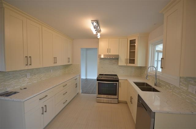 Photo 6: 2175 RIDGEWAY Street in Abbotsford: Abbotsford West House for sale : MLS(r) # R2146944