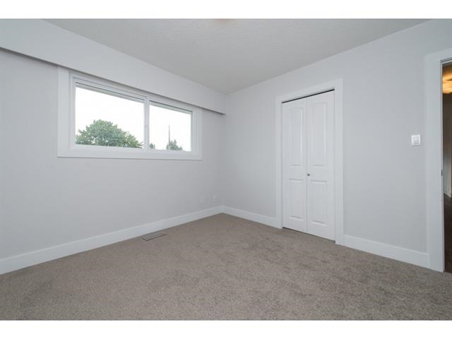 Photo 12: 2175 RIDGEWAY Street in Abbotsford: Abbotsford West House for sale : MLS(r) # R2146944