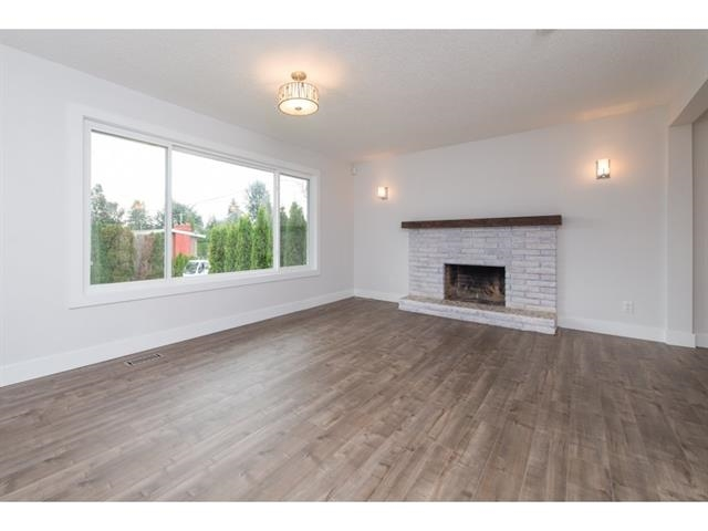 Photo 3: 2175 RIDGEWAY Street in Abbotsford: Abbotsford West House for sale : MLS(r) # R2146944