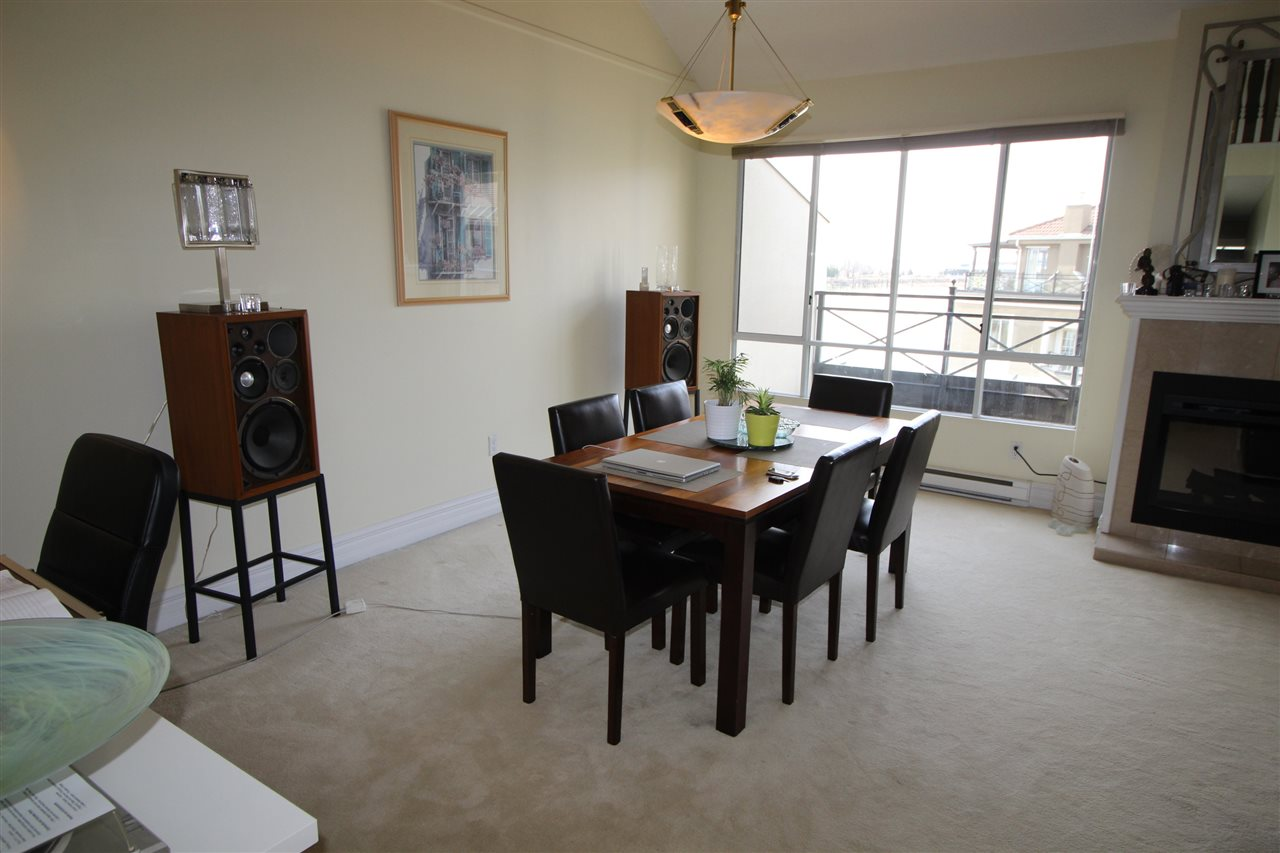 "Photo 7: 409 3 RENAISSANCE Square in New Westminster: Quay Condo for sale in ""THE LIDO"" : MLS® # R2148521"