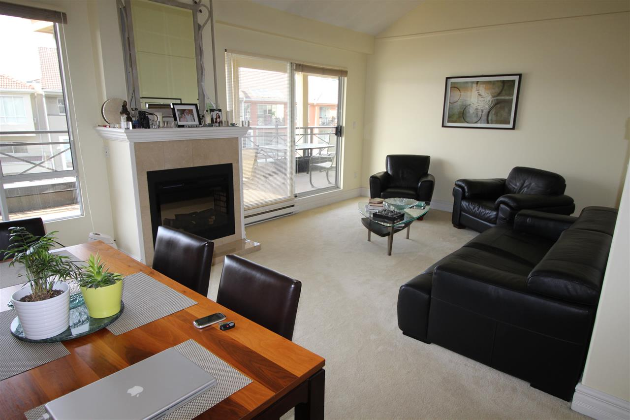 "Photo 5: 409 3 RENAISSANCE Square in New Westminster: Quay Condo for sale in ""THE LIDO"" : MLS® # R2148521"
