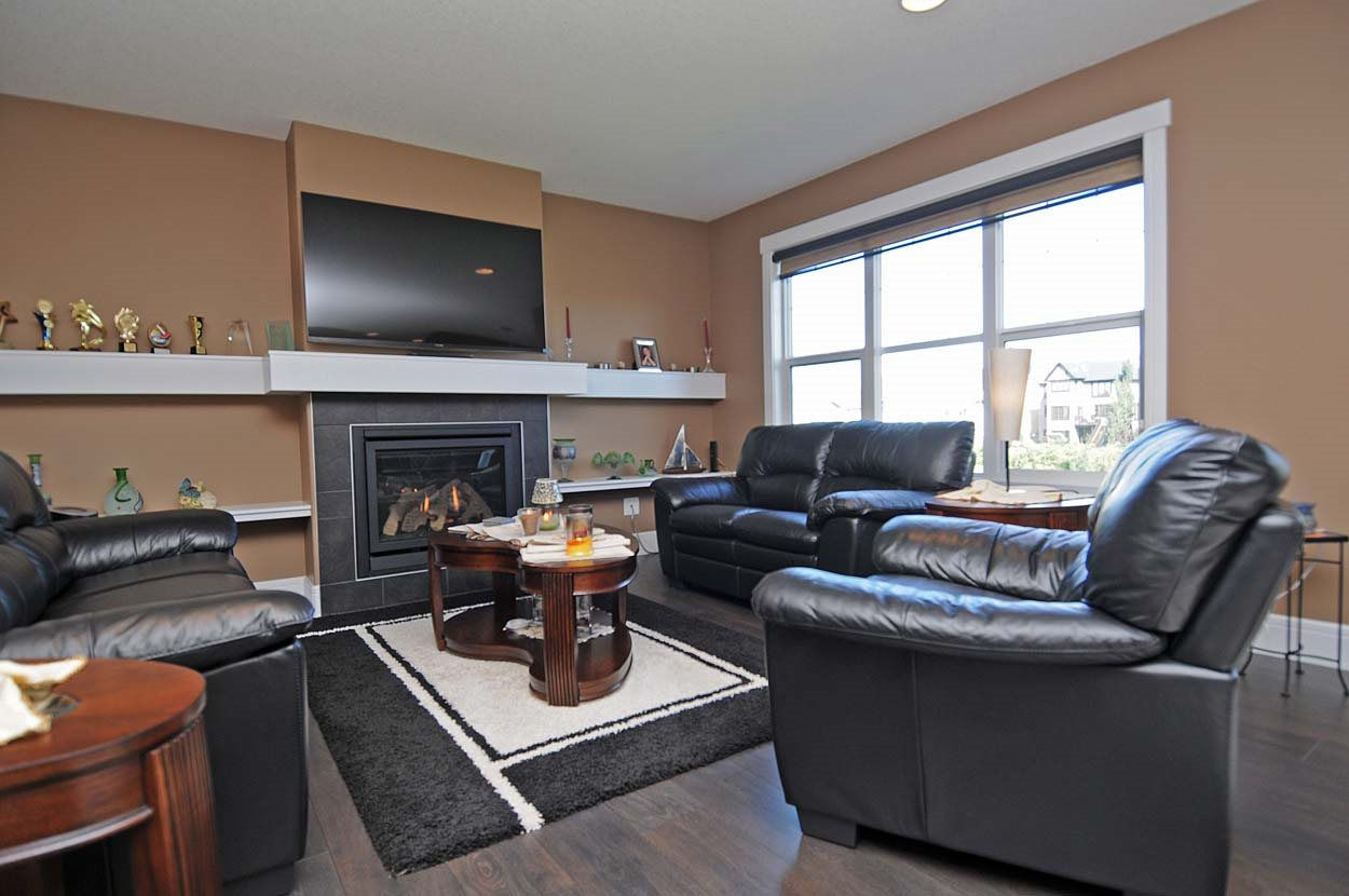 Photo 13: 2308 FREZENBERG Avenue in Edmonton: Zone 27 House for sale : MLS(r) # E4058048