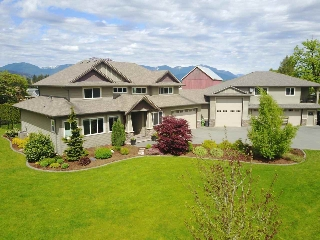 Main Photo: 6527 CHILLIWACK RIVER Road in Chilliwack: Sardis East Vedder Rd House for sale (Sardis)  : MLS(r) # R2163480