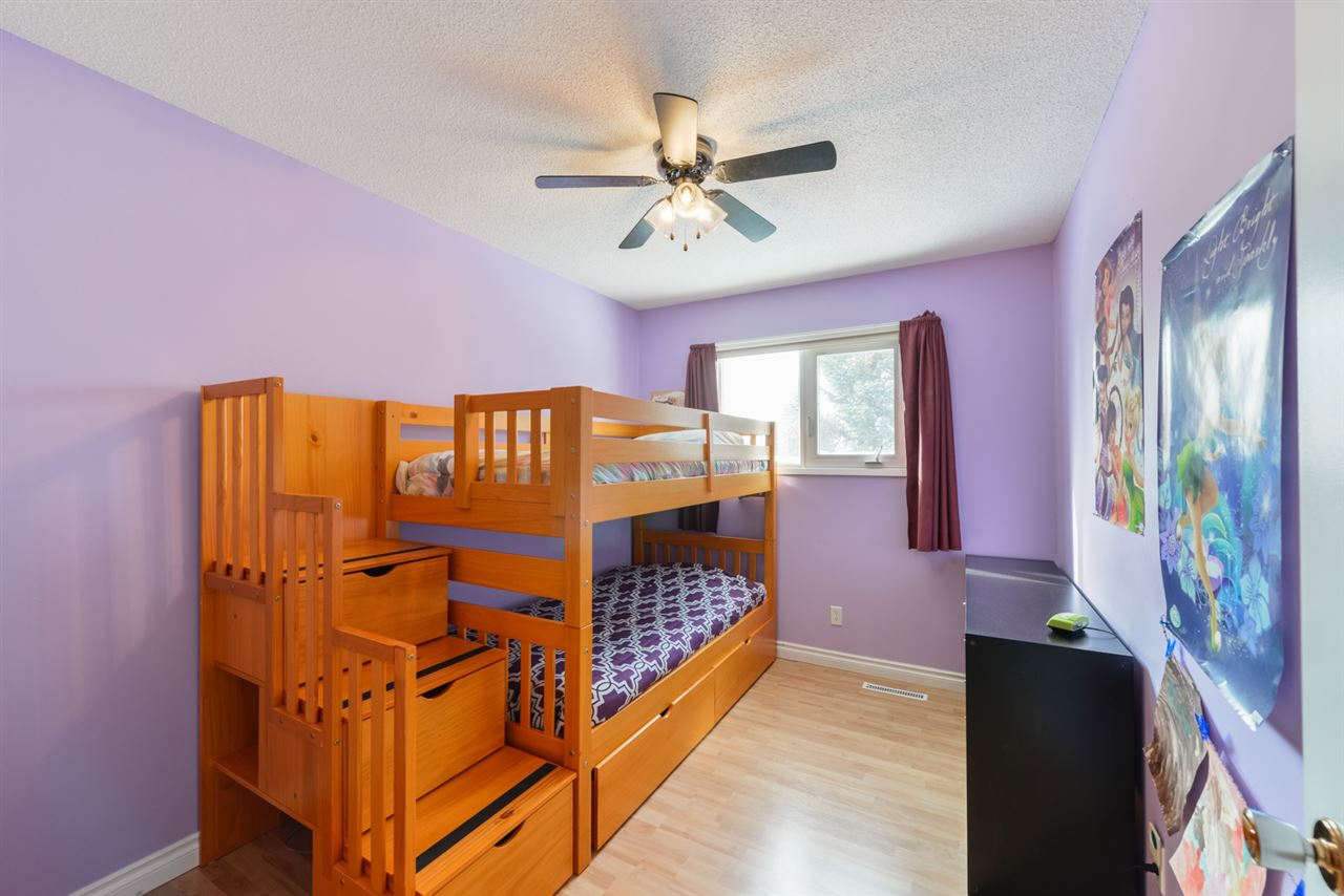 All upstairs bedrooms have easy to maintain/clean laminate flooring.