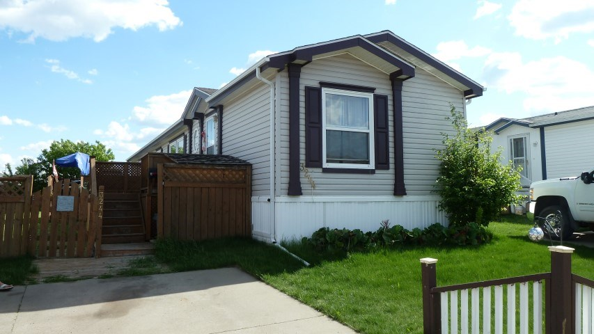 Main Photo: 3244 10770 Winterburn Road in Edmonton: Zone 59 Mobile for sale : MLS(r) # E4067780