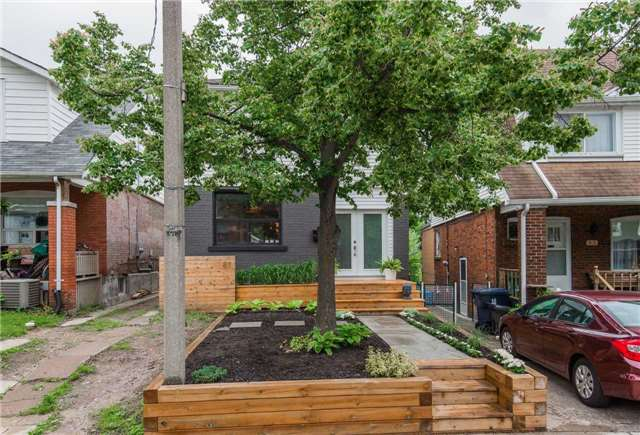 Main Photo: 87 Oakcrest Ave in Toronto: East End-Danforth Freehold for sale (Toronto E02)  : MLS® # E3838510