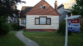 Main Photo: 2062 E 8TH Avenue in Vancouver: Grandview VE House for sale (Vancouver East)  : MLS(r) # R2181845
